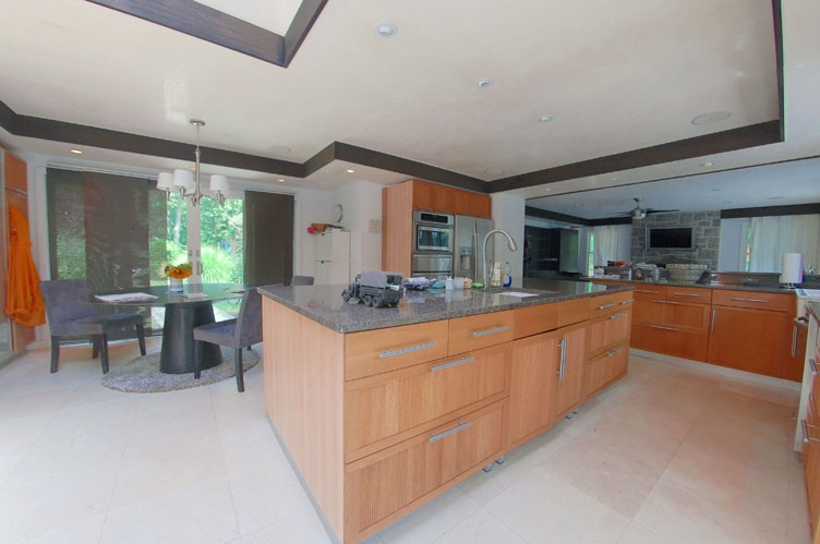 Additional photo for property listing at Chic And Beachy With Pool On Shelter Island  谢尔顿岛, 纽约州