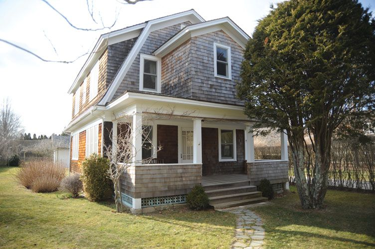 Additional photo for property listing at Southampton Village Dutch Colonial With Gardens  Southampton, New York
