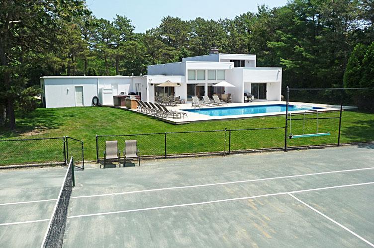 Casa Unifamiliar por un Alquiler en Quogue Summer Rental Quogue, Nueva York
