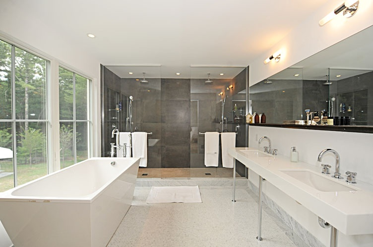 Additional photo for property listing at Dreamy Designer Modern  East Hampton, New York