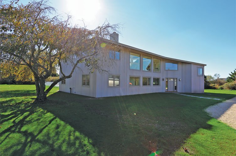 Additional photo for property listing at Sagaponack South Modern Home With Deeded Ocean Accesss  Sagaponack, Nueva York