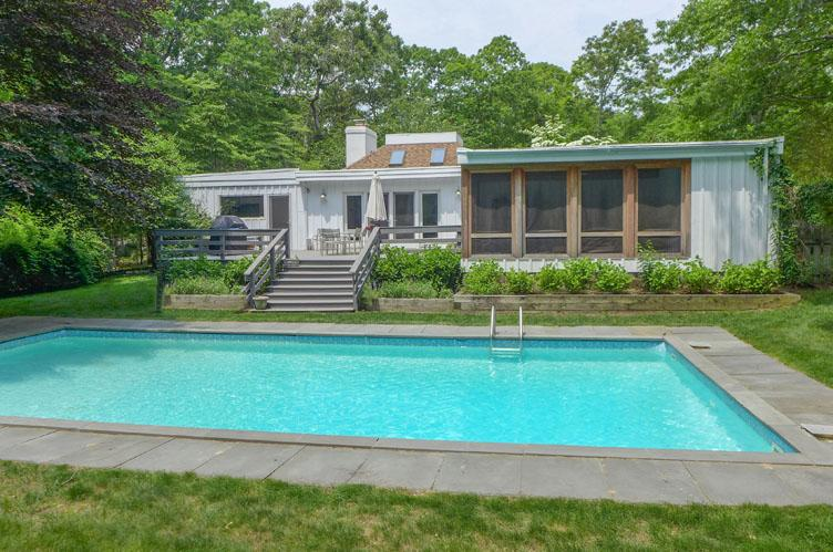 Casa Unifamiliar por un Alquiler en East Hampton Charming Escape East Hampton, Nueva York
