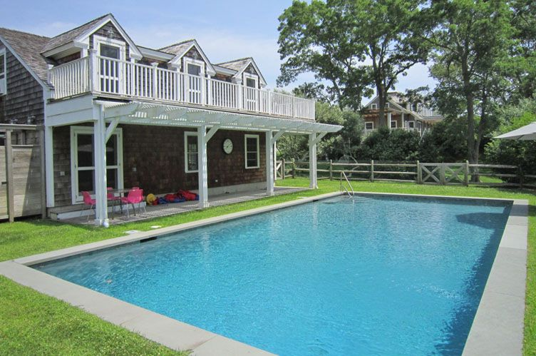 Additional photo for property listing at Grace, Charm & Privacy  Sag Harbor, New York
