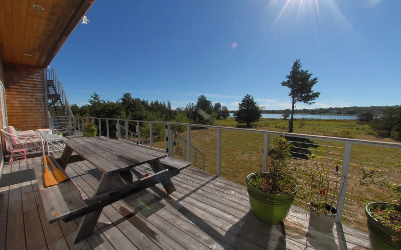 Additional photo for property listing at Ram Island Dramatic Waterfront Modern  Shelter Island, Nueva York