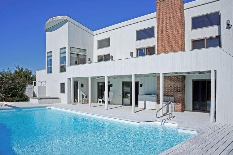 Additional photo for property listing at Bridgehampton Near The Ocean  Bridgehampton, New York