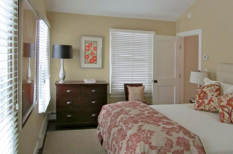 Additional photo for property listing at Southampton Village Perfection  南安普敦, 纽约州