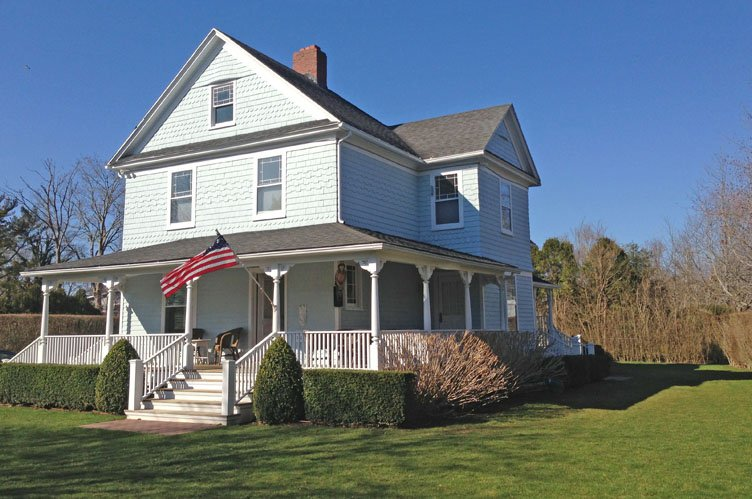 Additional photo for property listing at Southampton Village In August  Southampton, New York