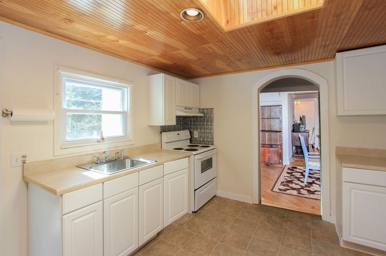 Additional photo for property listing at Charming Sag Harbor Village  Sag Harbor, Nueva York