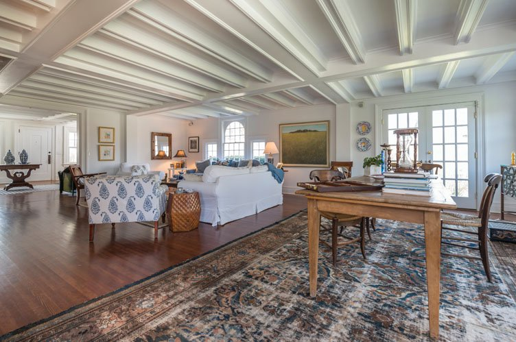 Additional photo for property listing at Historic Water Mill Retreat  Water Mill, New York
