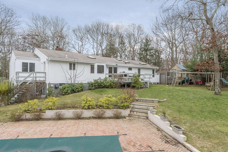 Additional photo for property listing at East Hampton/ Northwest Rental  East Hampton, New York