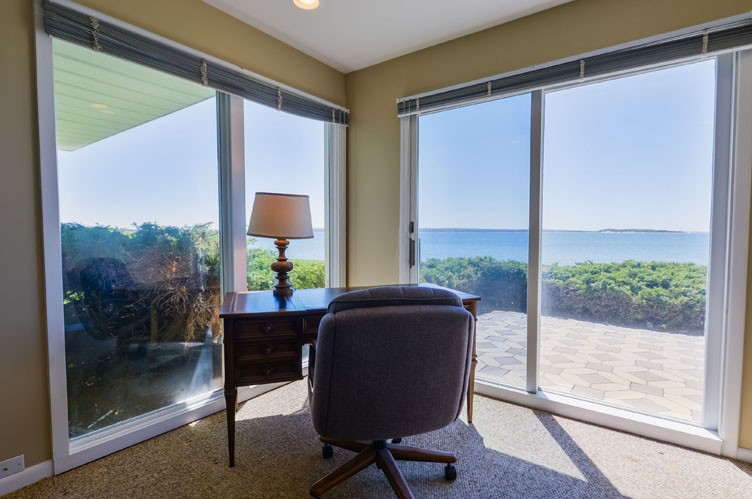 Additional photo for property listing at Shelter Island Soundfront Bliss  谢尔顿岛, 纽约州