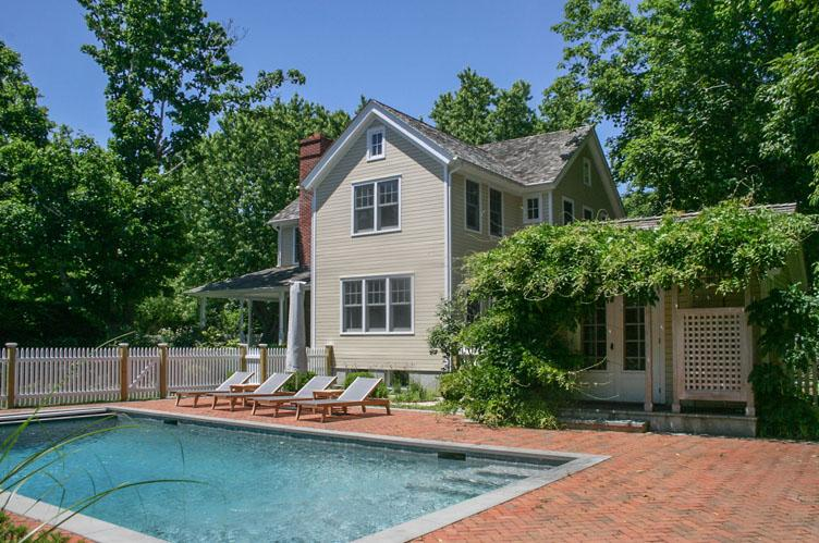 Additional photo for property listing at Perfect South Of The Highway Southampton Village Rental  Southampton, New York