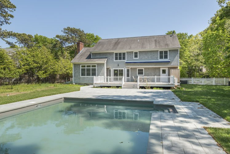 Additional photo for property listing at Beautifully Decorated In Wainscott  Wainscott, Nueva York