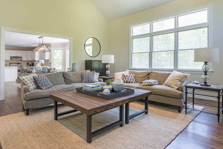 Additional photo for property listing at Beautifully Decorated In Wainscott  Wainscott, New York