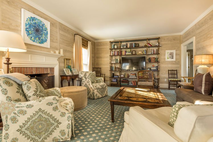 Additional photo for property listing at East Hampton Near Ocean  East Hampton, New York