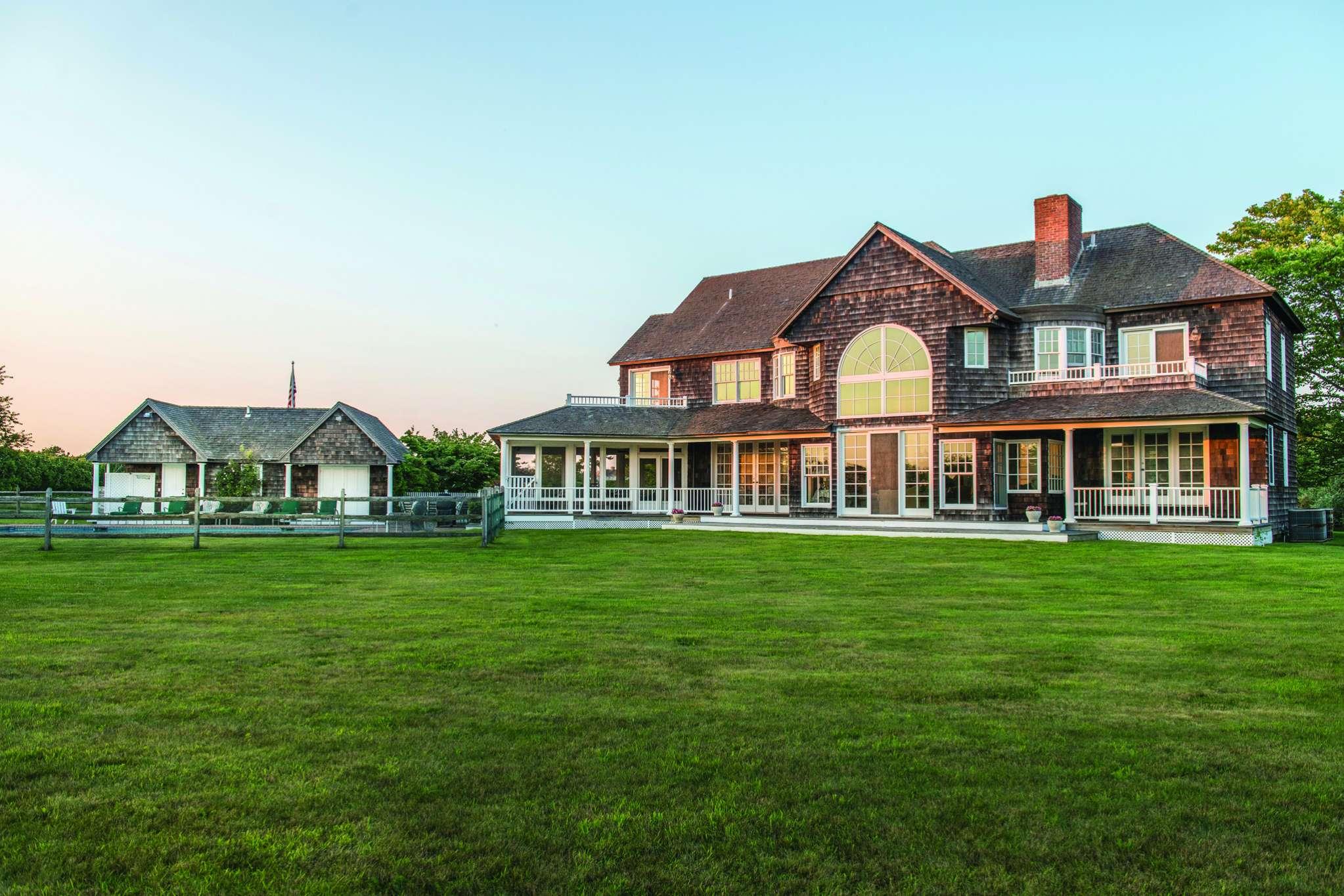 Casa Unifamiliar por un Alquiler en Prestigious Ocean Road Rental Bridgehampton, Nueva York