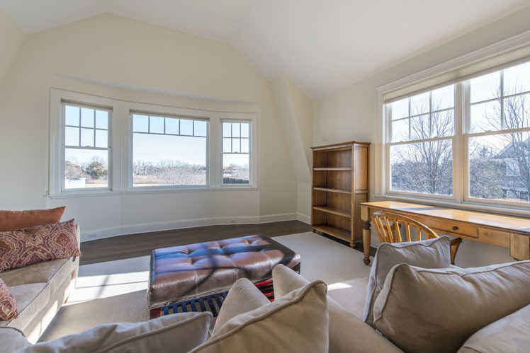 Additional photo for property listing at South Of The Highway Rental  Water Mill, Nueva York