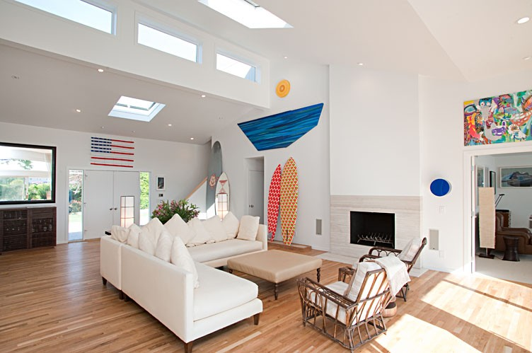 Additional photo for property listing at Beach Chic South Of The Highway With Pool And Tennis  Water Mill, Nueva York