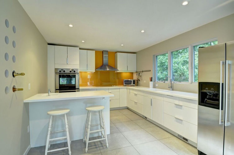 Additional photo for property listing at Chic And Sleek East Hampton With Pool And Tennis  东汉普顿, 纽约州