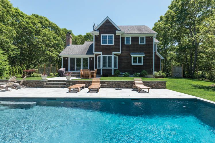Additional photo for property listing at East Hampton Northwest Beauty  East Hampton, New York
