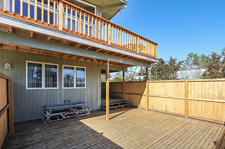 Additional photo for property listing at Easy Beach House  Amagansett, Nueva York