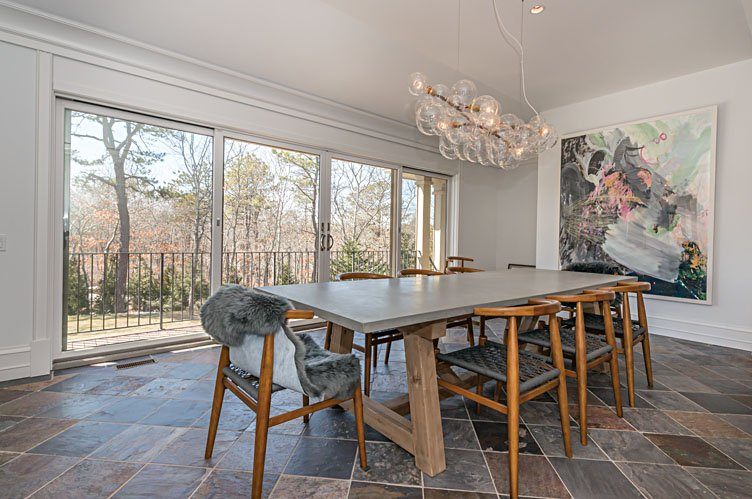 Additional photo for property listing at Luxurious Home In Private Setting 194 Middle Line Highway,  Southampton, New York
