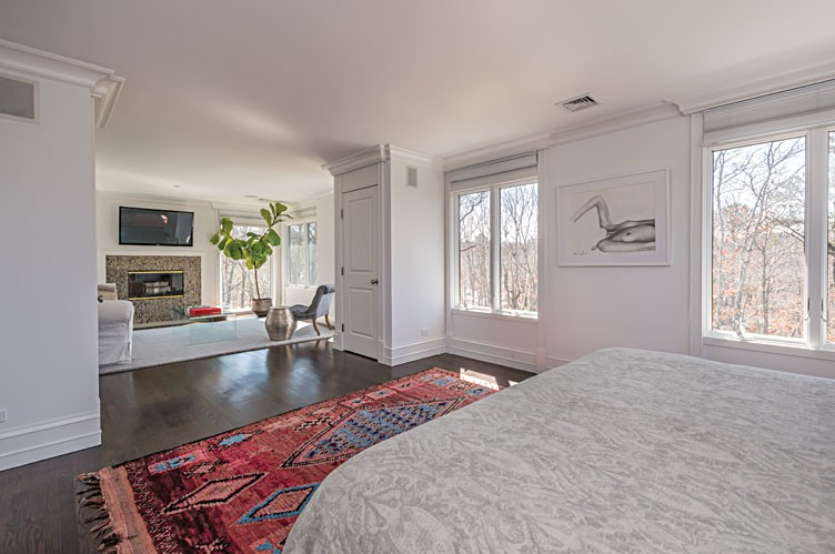Additional photo for property listing at Luxurious Home In Private Setting 194 Middle Line Highway,  Southampton, Nueva York