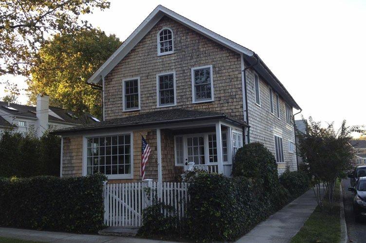 Additional photo for property listing at Sag Harbor Village Charm  Sag Harbor, New York