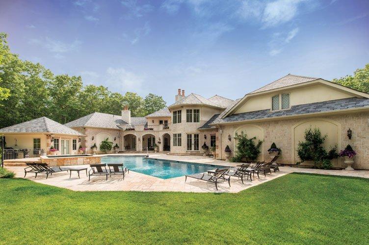 Casa Unifamiliar por un Alquiler en European Flair In The Hamptons Sag Harbor, Nueva York