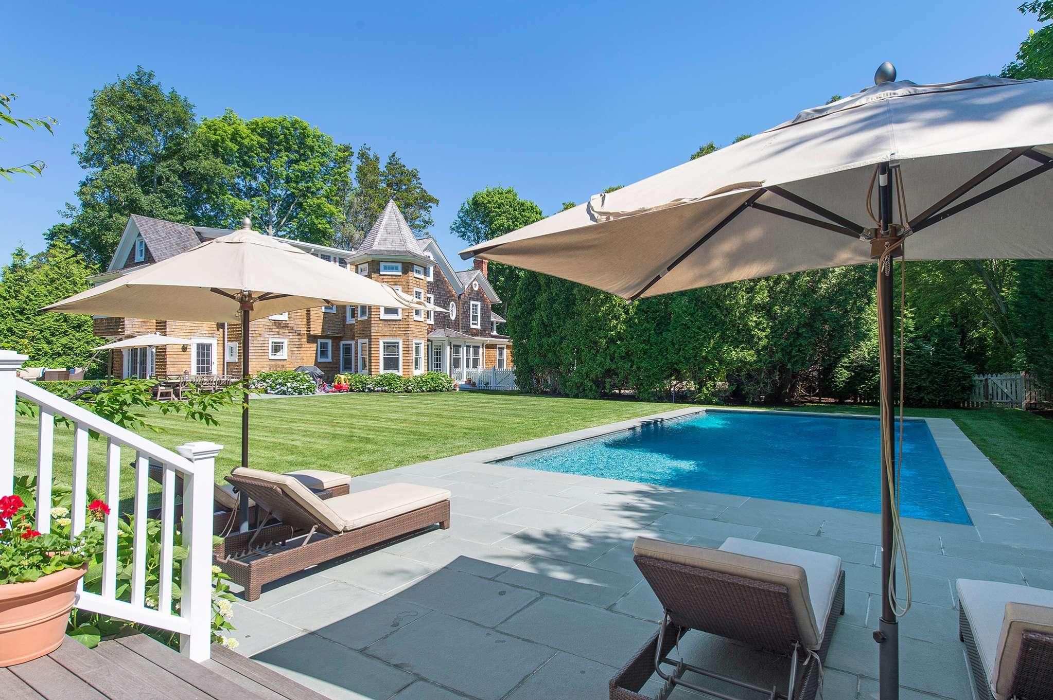 Casa Unifamiliar por un Alquiler en Summer At It's Best Southampton, Nueva York