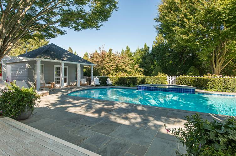 Additional photo for property listing at Estate Section Reno Just Completed 2 Acres Tennis And Pool  Southampton, Nueva York