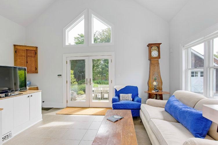 Additional photo for property listing at Southampton Village Charmer  Southampton, Nueva York