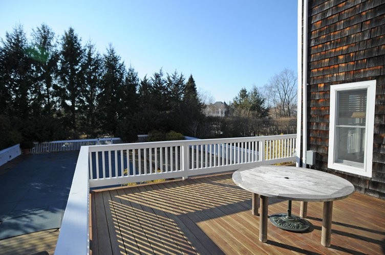 Additional photo for property listing at Southampton Village Getaway  Southampton, New York