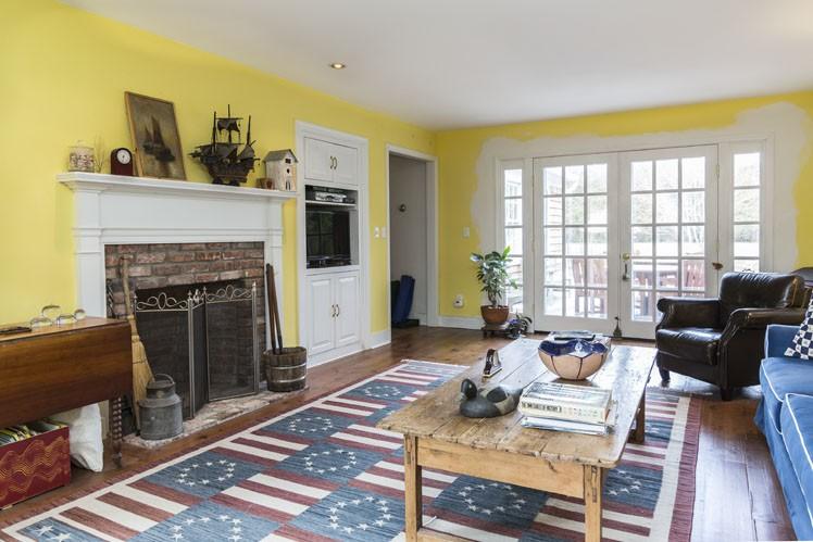Additional photo for property listing at Bridgehampton Village With Heated Pool  Bridgehampton, Nueva York