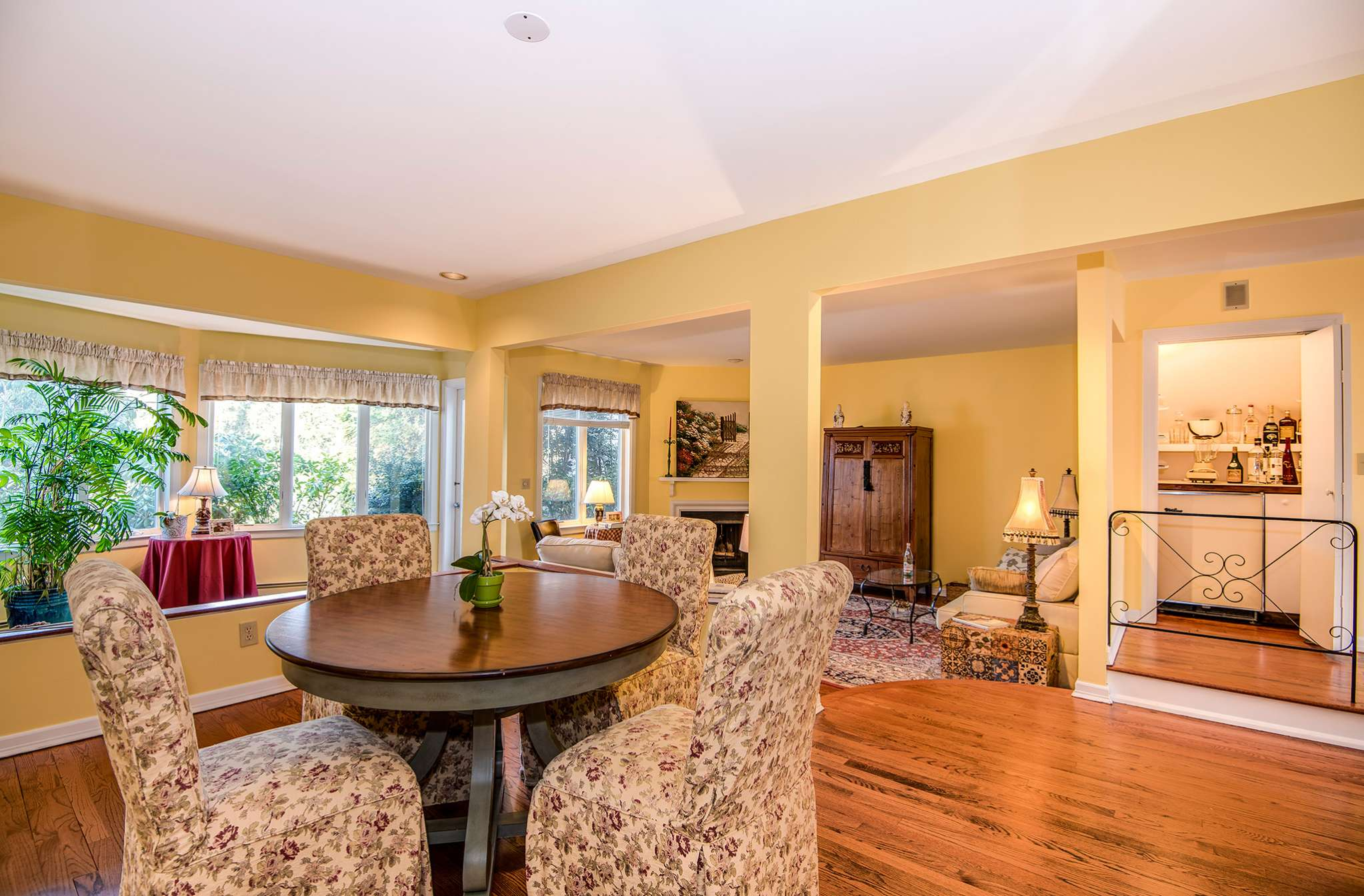 Additional photo for property listing at Southampton Whitefield Townhouse  Southampton, New York