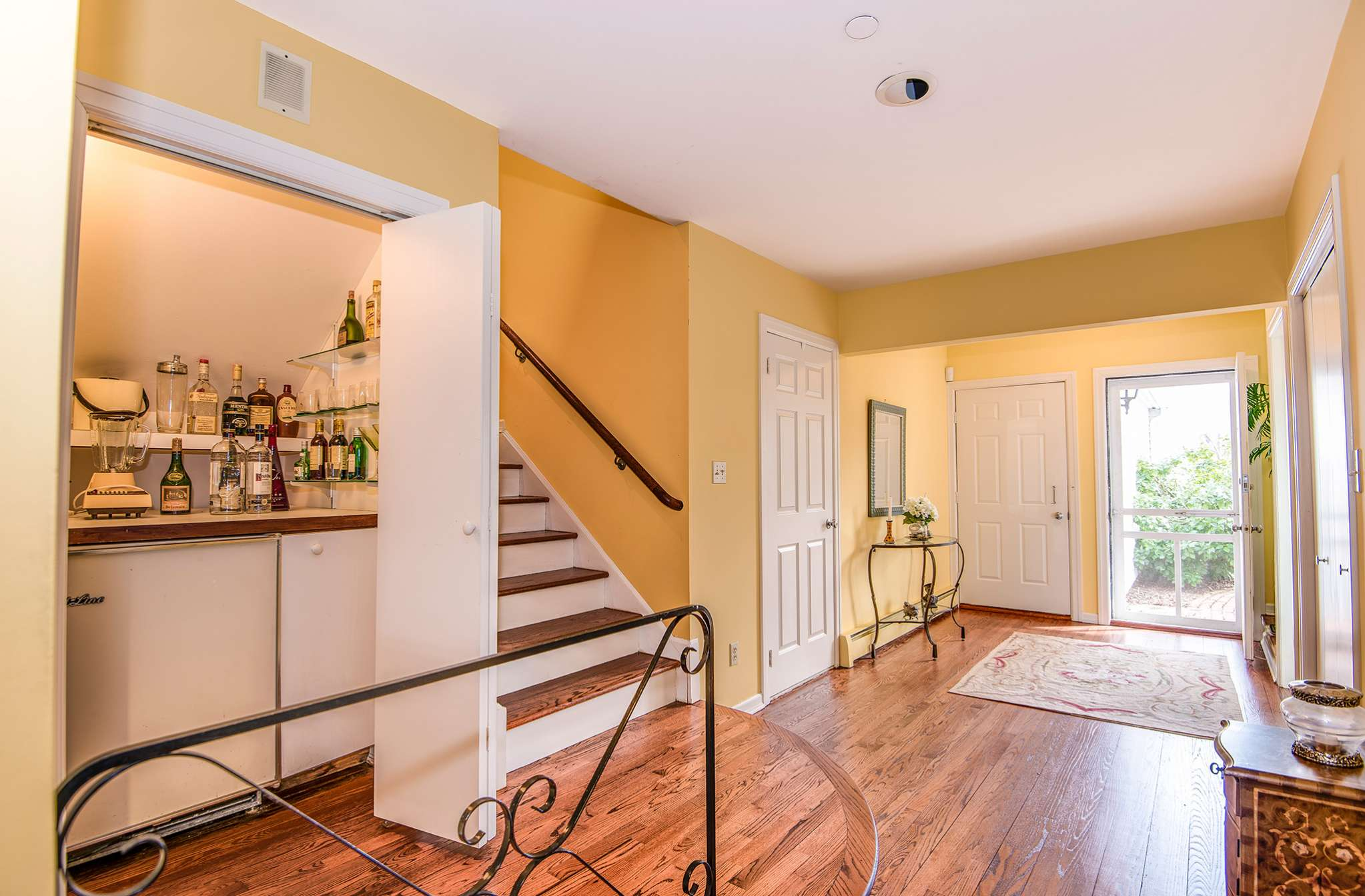 Additional photo for property listing at Southampton Whitefield Townhouse  Southampton, Nueva York