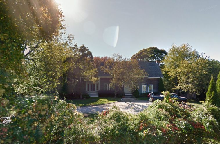 Additional photo for property listing at Beautiful And Newly Renovated Home  Southampton, Nueva York