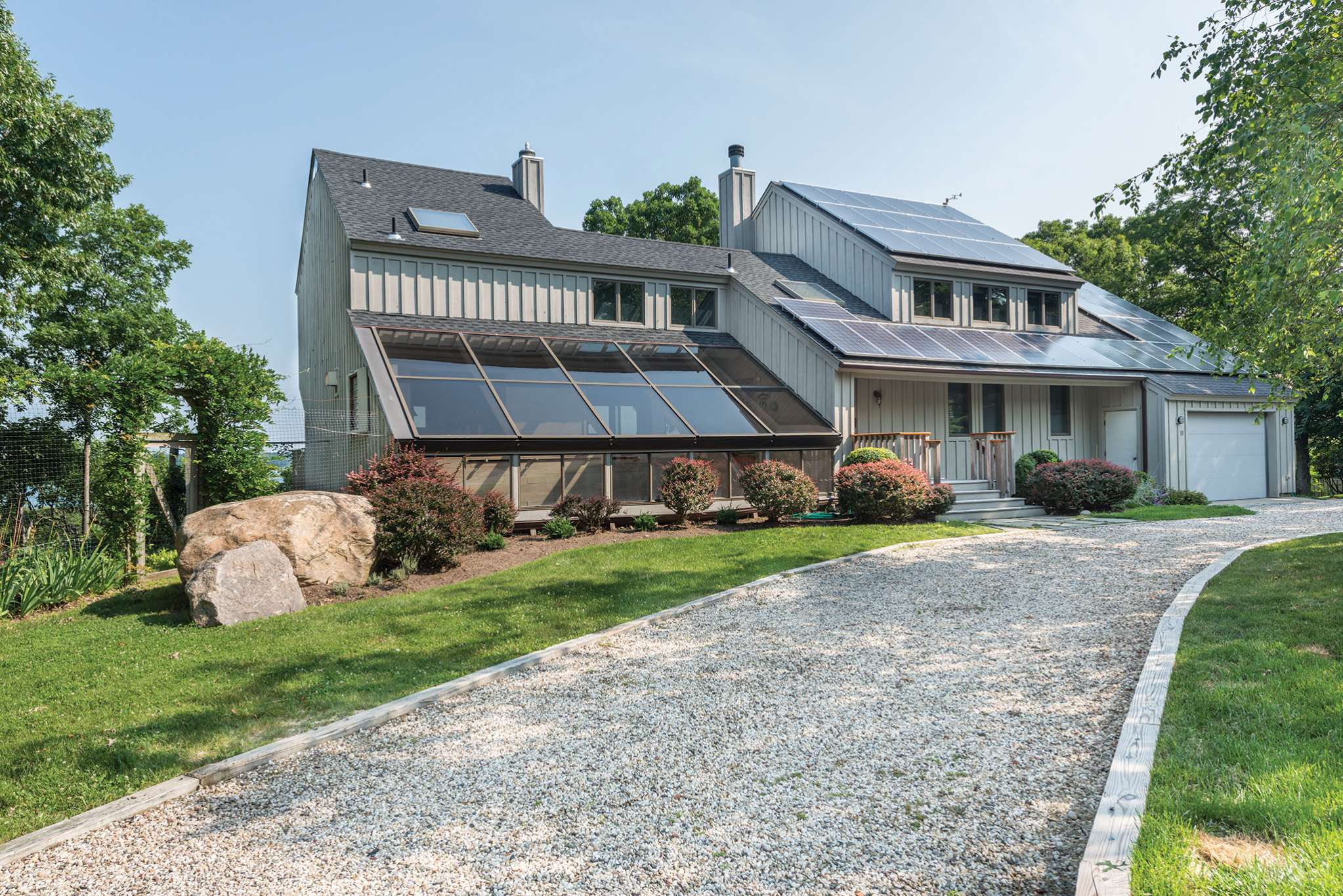 Additional photo for property listing at Shelter Island Modern With Beach On Gardiners Bay  谢尔顿岛, 纽约州
