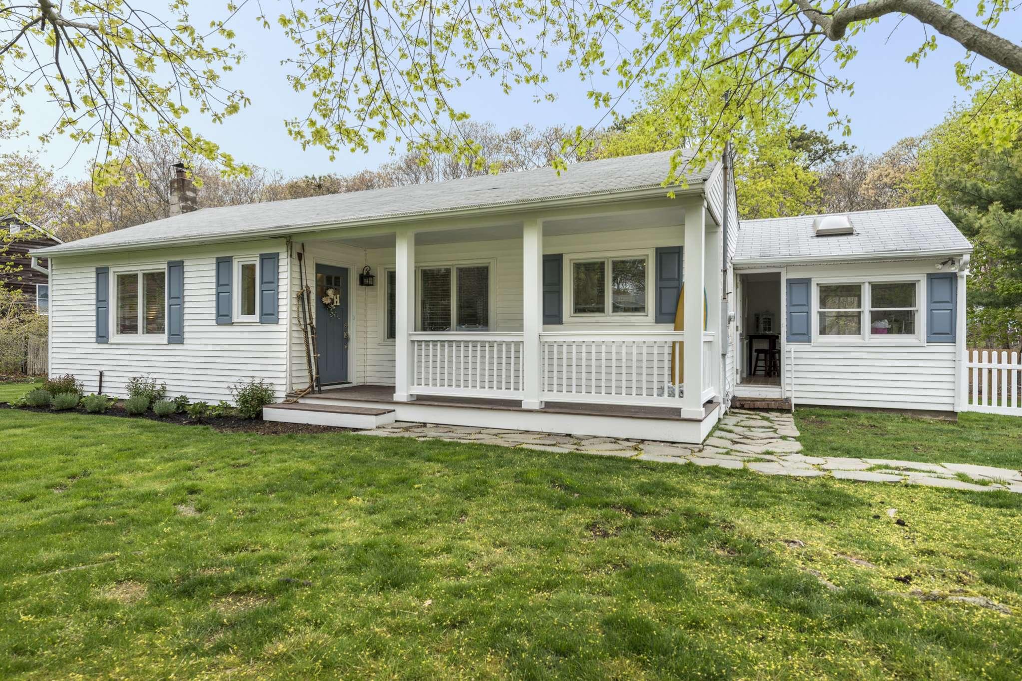 Single Family Home for Sale at Charming Beach Cottage 37 Woodridge Road, Hampton Bays, New York